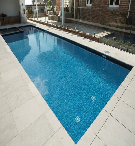 Construccion piscinas mantenimiento piscinas encoser for Piscina castelldefels